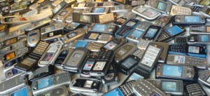 pile-o-cellphones-702573-870x400